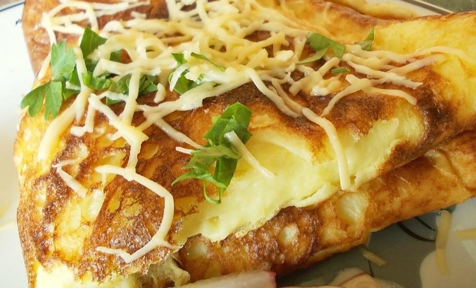 Омлет с сыром и зеленью
