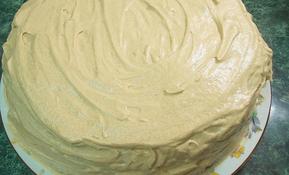 Торт бисквитный с безе