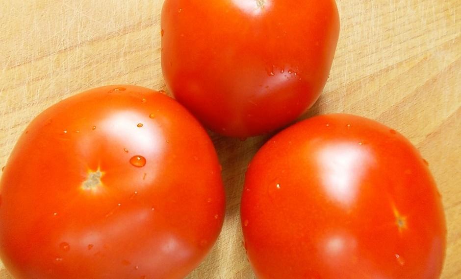 Омлет обычный с помидорами