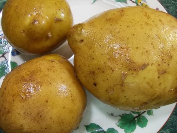 Картофель запеченный с чесночным соусом